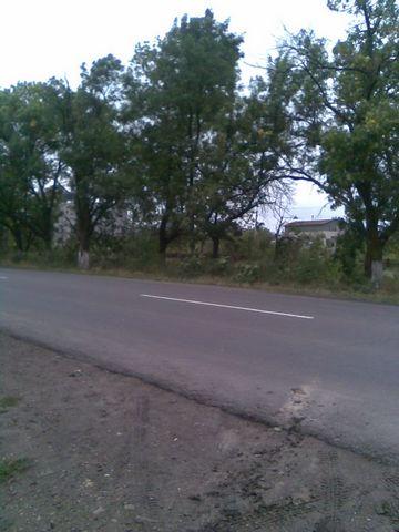 of 440[sot].[komunikatsii] of [ryadom]-[dachi].[pod] vineyards and [stroitelstvo].[tsena] 100[u].[e].[za] of [sotku].[torg] is appropriate.