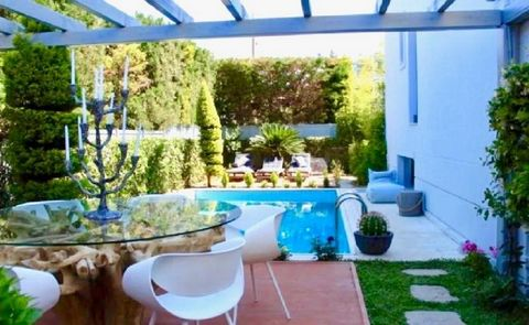 Glyfada, Golf, Villa For Sale, 270 sq.m., In Plot 600 sq.m., Glyfada Villa 270sq.m., in a 600sq.m. plot, 4 levels, 5 bedrooms(1 master), 2 bathrooms, 3 wc, elevator, independent heating petrol, a/c, solar heater, gym, fireplace, security door, double...