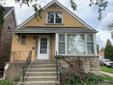 Attention investors, rehabbers and home owners looking to make a home their own make your appointment today to see this brick 4 bed/ 4 bath 2 STORY home in hot Sauganash area. Walking distance to public transportation, shops and so much more. Sold As...