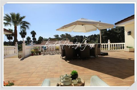 A stunning property built around an internal patio. It is close to the golf-courses, beach, port, polo, tennis, Paddle tennis. The accommodation offers a stunning living room, a fabulous kitchen, dining room , laundry, 7 bedrooms, 6 bathrooms, suites...