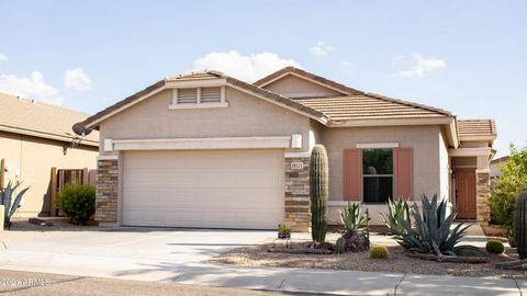 GOLD CANYON BEAUTY! This Curb Appeal Home is an Open Concept 3 bedroom 2 bath home Plus a Den/Office. Den has wood look tile set on Diagonal and NEW Carpet in Bedrooms. Gorgeous Kitchen with Cherry Cabinets, Corian Countertops, Large Kitchen Island a...