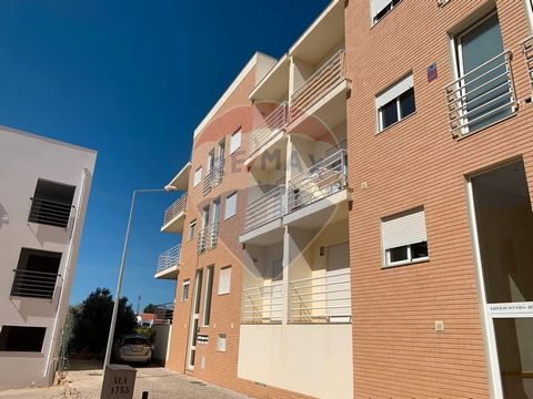 Description 2 bedroom apartment ideal for living or for holidays in a quiet place. The apartment has good areas, with 2 bedrooms being 1 en suite. 2 bathrooms, living room with stove, equipped kitchen, lots of light. It is located in the center of Tu...