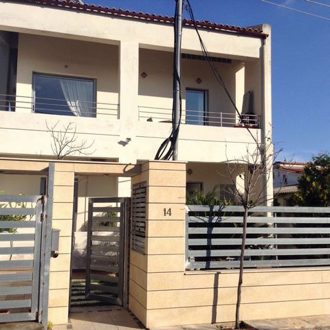 Detached house for sale in Nea Makri, Erithros with a total area of 220 sq.m., located on a plot of 325 sq.m. The mansion consists of two independent dwellings. The house consists of three levels. Semi basement 35 sq.m., high ground floor 75 sq.m. an...