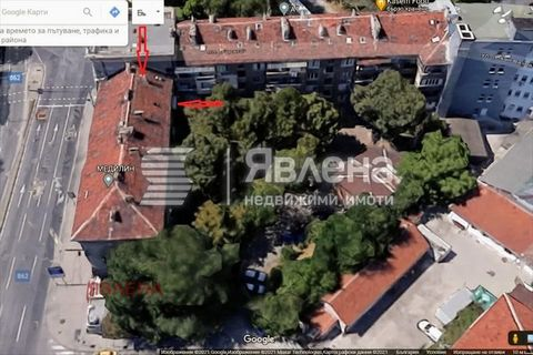 Yavlena Agency presents to your attention a 3-room apartment in the center of Plovdiv. Clean area of 97 sq.m. m The price includes a cellar of 13.20 sq.m. m., loft (just above the dwelling) 20 sq.m. m. and 1/8 of the yard, which is 1410 sq.m. and the...