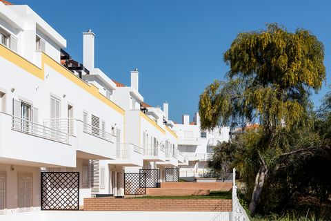 DO WITH US THE BEST DEAL At Formosa Bay-Beach architecture is synonymous with comfort. The naturalistic and integrated architecture in the Ria Formosa Natural Park brings with it the smell of pure Algarve. The interior design articulates the typical ...