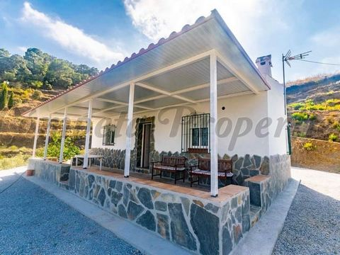 Feel the charm of country properties in Spain with this one. This pretty little property, which has recently been renovated, is situated on a large plot of 15,000 m2 with stunning mountain views. The property is accessed via a dirt track which is in ...