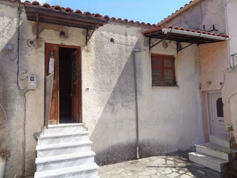 FOR SALE: Semi-detached house of 56,59 sq.m, located in the center of the traditional village of Kynopiastes. Consists of 2 bedrooms, a kitchen-living room and a small bathroom with a bathtub. It has marble lining on the floors, wooden window frames ...