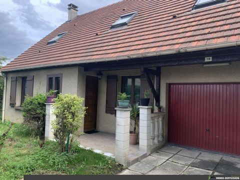 Mandate N°FRP131007 : House approximately 114 m2 including 5 room(s) - 4 bed-rooms - Site : 496 m2, Sight : Garden. Built in 1989 - Equipement annex : Garden, Terrace, Garage, double vitrage, Fireplace, combles, - chauffage : electrique - More inform...