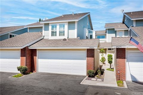 Open Sat 9/18 from 1-4 pm. Call Listing Agent John Sturdevant for private tour ... Immaculate, modern and bright home with a large private backyard facing a grassy greenbelt for added privacy and room to roam! As you drive up you will be amazed but t...