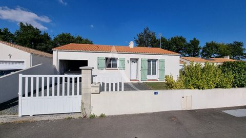 La Chapelle Hermier, in a quiet and residential area, come and discover this very recent house of traditional style, clean and comfortable, it consists of a bright living room, a fitted and equipped kitchen, a bathroom, two bedrooms, separate toilet ...