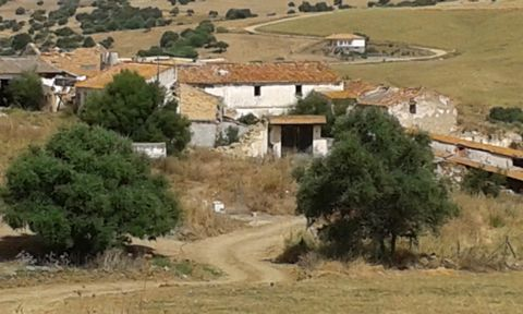 For sale direct from the owners! Hotel opportunity! This large country cortijo offers great potential for a large 5 star spa hotel or as a wide range of commercial activities – boutique hotel, luxury private residence or a rural tourism business. Set...