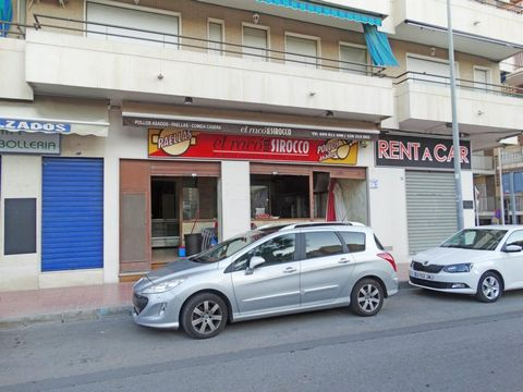 For sale comercial property in the center of Guardamar del Segura, at 100 meters of the beach. Ubicated in the center of the town, a perfect location ( Avd Cervantes). It have 90 m2, 2 toilets, big kitchen and storage room. Ready to start.