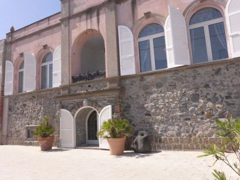 A large and noble private residence in the center of Canneto on the island of Lipari offers the possibility to live in comfort and charm a beach holiday. 450 sqm on two floors, large internal spaces, patio and terrace for meals with large sea-view ba...