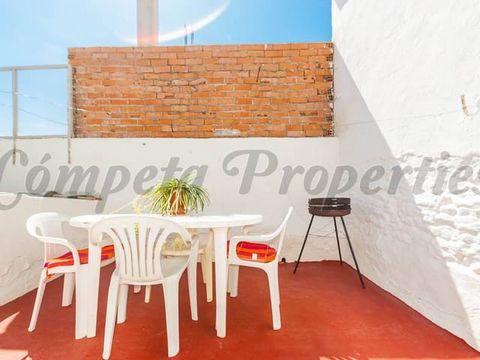 Adosado en Corumbela con 3 dormitorios y una terraza