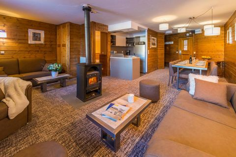 The Chalet Val 2400 is situated in the district of the Balcons in Val Thorens, Alps, France at 150m from the pistes which are reachable on skis. Facilites in the resort include: pub, ski rental and sale, indoor car park, heated ski lockers...Each apa...