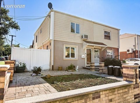 Stunning and exquisite single family home situated in the coveted Whitestone neighborhood. This expansive two story corner house has 3 bedrooms and 2.5 Bathrooms. A charming front yard made for an ideal spot to craft your favorite flower garden and a...