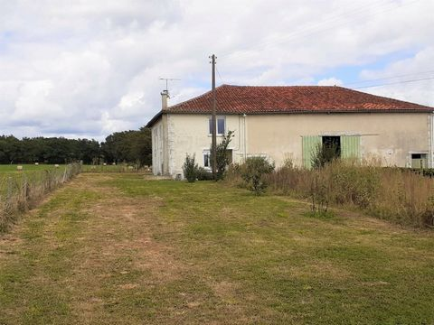 Renovated house of 151m2 in R + 1 with 4 bedrooms, 2 offices, 2 shower rooms, 2 toilets, fitted kitchen open to living room, all on 9ha 31 73 of adjoining agricultural land. This farm consists of buildings and barns. It is isolated from any neighbor ...