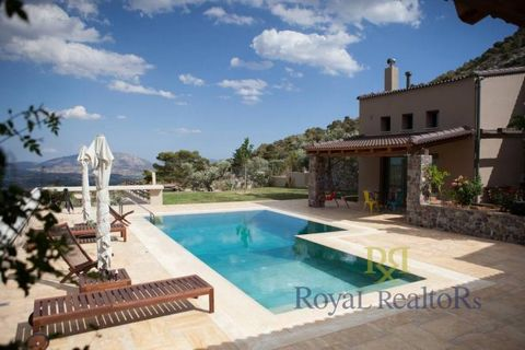 House FOR SALE in Attika - South Vari for €2.500.000. This 320 sq. m. House is built on the Ground floor and features 3 Bedrooms, 3 Bathrooms, 2 WC The property also enjoys Window frames: Aluminium, Door: Armourplated door, parking, storeroom 50 sq.m...