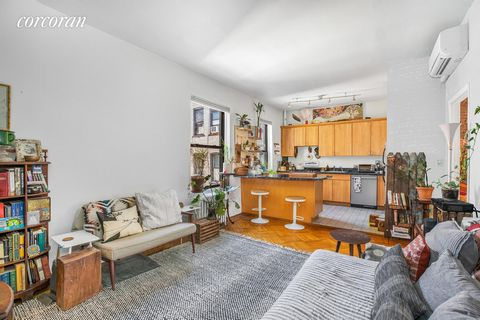 Welcome to apartment #D6 at 394 Lincoln Place! This bright and spacious top floor home in the heart of Prospect Heights boasts a desirable layout with high ceilings, well-proportioned rooms, and ample storage space. With windows in every room and thr...