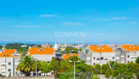 Brand new house, for sale , located in residential area of Vila Nova de Gaia, Porto . This property benefits from generous areas, functional layout with good space distribution, and pre-installation for central heating and air conditioning . Located...