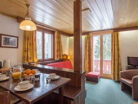 The Residence Le Mont d'Arbois Pierre & Vacances in Megève is situated at about 300 m from the Mont d'Arbois cable car. It is the combination of an old manor style building and a traditional chalet. The peaceful location with a view of Month Blanc ma...