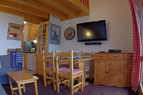 The residence Le Cheval Blanc, with lifts, is located in Valmorel, in the hamlet of Crève Coeur. You will access directly at the ski slopes. You will find the first shops and restaurants 400 m from the accomodations. You will access easily at Mottet ...