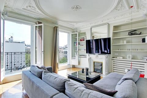Apartment Floor 4th, View Unobstructed, Position east, General condition Excellent, Kitchen Open plan, Heating Separate electric, Hot water Separate, Rental Furnished, Duration 12 [mois], Charges Detail TOUT INCLUS Bedrooms 2, Bath 1, Shower 1, Balco...
