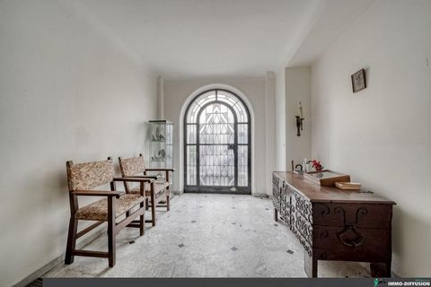 Sheet FRP130834: In a quiet and popular street in an architectural district, we offer an elegant family house, facing South-North, of approximately 250 m2. Established on 4 levels and a basement, it offers a spacious entrance, 2 offices, 1 triple liv...