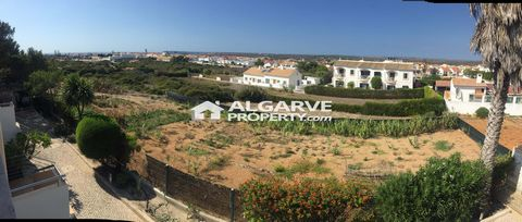 Located in Vila do Bispo. Fabulous plot close to Mareta beach and all amenities. 1.680 sq.m. plot. Possibility for the construction of 30% of the plot size. Excellent investment opportunity.