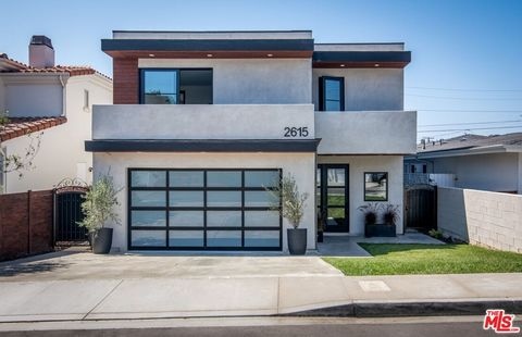 Located in the heart of the Tree Section, moments from The Greenbelt & Downtown Manhattan, sits this newly constructed Architectural gem. Once past the crisp modern lines, wood-inspired tile floors set on a dramatic chevron pattern sing in perfect ha...