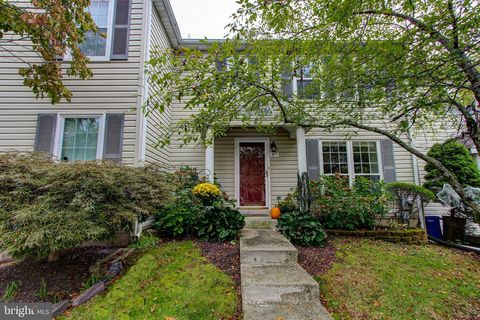 87 Village Drive located in the award winning Perkiomen Valley School district is ready for you to move in and call home! With 3 bedrooms, 2.5 bathrooms, and a finished basement, you can bring your all of your belongings, there is plenty of room. Fir...