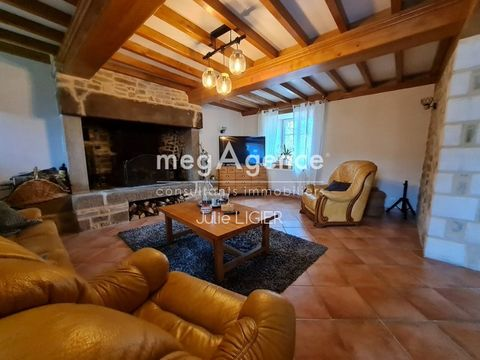 Do you want a change? You like to receive, this pretty estate is made for you!!! Located 5 minutes from Les Pieux, 10 minutes from the sea, You will fall for this domain with main house offering 4 bedrooms a large dining room and living room by the f...