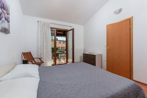 The comfortable Villa Leoni offers you everything you need for a relaxing holiday with family and friends. The villa spreads on 140 square meters and consists of a fully equipped kitchen with kitchen utensils, a spacious living room with a dining are...