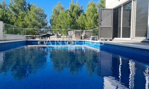 THE LOCATION: The villa is located in Podstrana, Grljevac area, which is only 8 km from the center of Split and 25 km from Split Airport. Podstrana is a municipality that with its development has become a suburb of the city of Split with beautiful be...