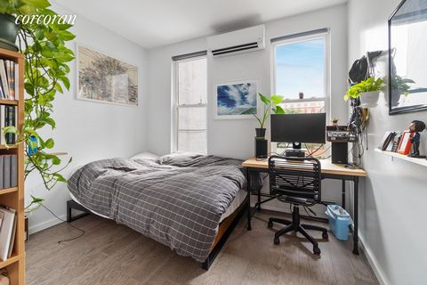 251 Saint Nicholas Avenue, is a charming townhouse with modern conveniences in the heart of Bushwick. This spacious 4 bedroom, 3 bathroom home is equipped with high-end kitchen appliances, washer and dryer, generous closet space, a private fenced-in ...