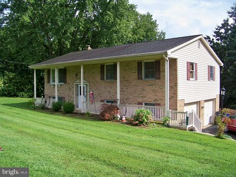 Affordable Lampeter Strasburg School District home in country setting. This Nice Brick Full-Front Home Offers Three Bedrooms, Living Room, Kitchen, Dining Area , Full Bath w/ Radiant Floor Heat. Rear Addition Built In 1999 Offers Another 312 SF Of Li...