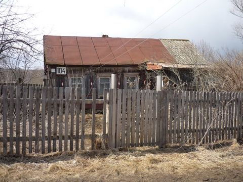 Is sold house with the section of 30 hundredths in s. Of sennitsy 2 (in the property). Moscow reg., The ozerskiy region. House requires innovation repair or for removal. In the section several apple trees, the jasmine, lilac. Light is supplied, water...