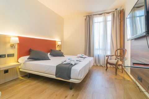 Welcome to this fantastic inland hotel Central Maria, where its beautiful rooms greets two guests! Hotel Central Maria is the perfect place for those who love centric villages of great charm. The 8 standard category dormitories, lovingly decorated an...
