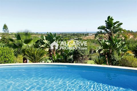Located in Olhão. Outstanding 4+3 bedroom detached villa excellently located in a peaceful area only 5 minutes from Moncarapacho village and 20 minutes from the airport. Built with high specifications within a large plot of 10.920 sq.m., this imposin...