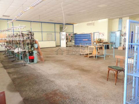 Ruse. Large industrial premises in Rousse IBC Real Estate sells industrial premise with a total area of 550 sq.m. distributed in a large hall, offices, warehouses, service rooms, rest rooms, WC, dressing room and basement with an area of 66 sq.m. pro...