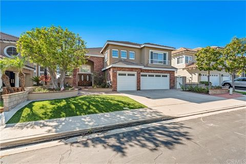 Wonderful location in the private small gated community of Walden. Single loaded cul-de-sac street w/easy access to shopping, restaurants, hiking trails, recreation and toll road (241). This 4 bedroom + bonus which could be 5th bedroom, with downstai...