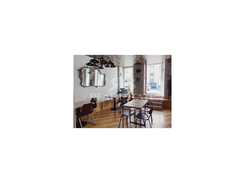RESTAURANTE na Mouraria - Zona totalmente renovada - Lisboa REstaurante / Bar / Café para Trespasse de Espaço recente (2018) com cozinha totalmente equipada e equipamentos de café e restauração de primeira qualidade. 30 lugares sentados interiores e ...