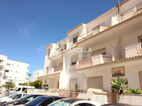 Located in Vila do Bispo. Apartment on the 1st floor without elevator, located in the beautiful village of Burgau, 5 minutes walking distance from the beach and 10 minutes driving distance from Lagos. The apartment consists of an entrance hall, 2 bed...