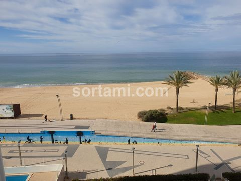 Two bedroom apartment facing the sea located on the beach of Quarteira. It is a magnificent front line apartment, located on the promenade of Quarteira, next to the beach. Due to its excellent location, it benefits from a stunning view over the sea, ...