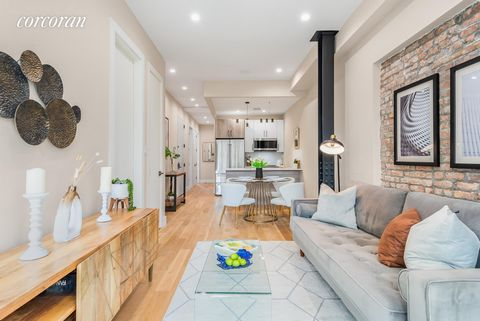 1421 Hancock is a 6 unit boutique condominium, with a dreamy combination of industrial vibes and modern finishes. Exposed steel beams, large bay windows, central heat and air, and black and gold finishes are just a few of the elements that make this ...