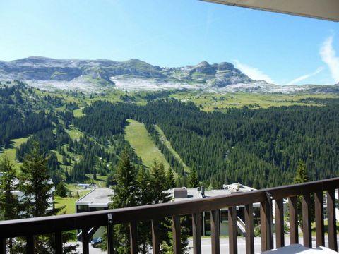 La résidence de la Forêt est située dans le quartier de FLAINE FORET à environ 50 mètres du départ des pistes et des rassemblements d'écoles de ski, à proximité immédiate des commerces. A noter : ascenseurs et casiers à ski. Superficie d'environ 37 m...