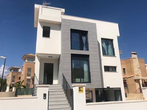 Only 6 left...Villa located in la Nucia, Costa Blanca North with breathtaking sea and mountains views. Just a 15 minute drive to Benidorm Residential of 20 villas with 2 kinds of models: 3 bedrooms 2 bathrooms 1 toilet. Large living - dining room Kit...