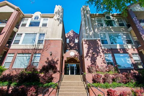 Beautifully maintained condo in Uptown 21. This is a raised first-floor unit. Elevator building. Gas fireplace, and balcony. Custom, remote-controlled window coverings. The in-unit washer and dryer are included. There is a large Master bedroom with 2...