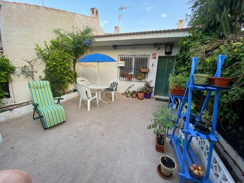 Bungalow for sale with garden, located in the pink lagoon area of torrevieja. The house is partially renovated, equipped with new appliances and furniture. 2 bedrooms, 1 bathroom, kitchen, living room and laundry. In front of the house a private gard...