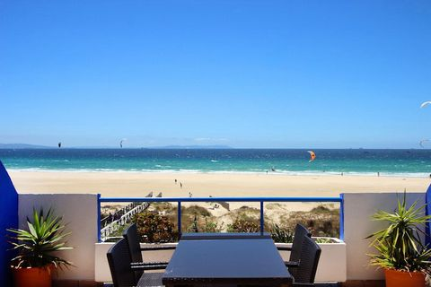 Holiday rental apartment in La Tortuga Dos, Tarifa. This is located front line on Lances Beach, the best beach to practice kitesurf and windsurf in Tarifa. This beach apartment in Tarifa has 2 bedrooms, a fitted kitchen and fantastic salon which open...
